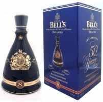BELLS DECANTER QUEEN_S GOLDEN JUBILEE 0.7L 02.jpg